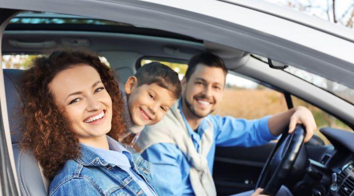 והם נסעו באושר ועושר: כלים לרכישת רכב למשפחה צעירה