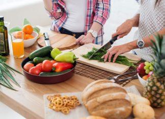 איך תזונה נכונה מורידה לחצים ותורמת לתחושת ערנות?