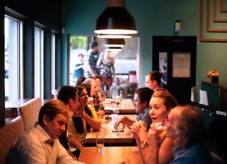 בחירת מסעדה לדייט ראשון - המדריך המלא