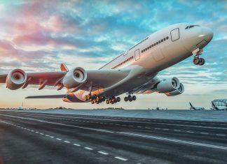 לראות מטוס גדול ממריא עם דמעה שקופה