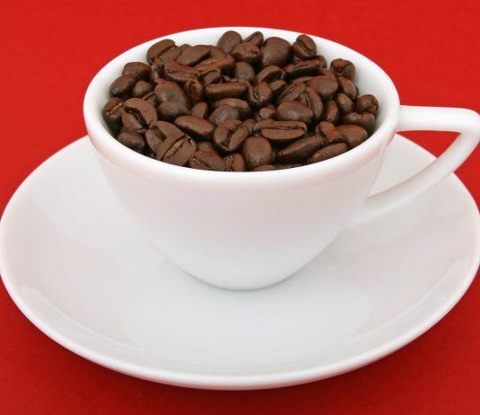 למה קפה טחון טרי עדיף על קפסולות?